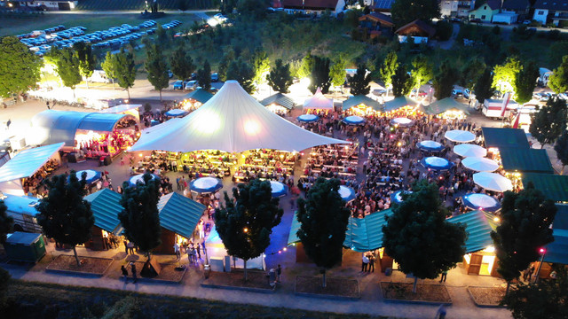 Weinfest_Abend_Drohne